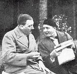Hitler mit Lüdecke.