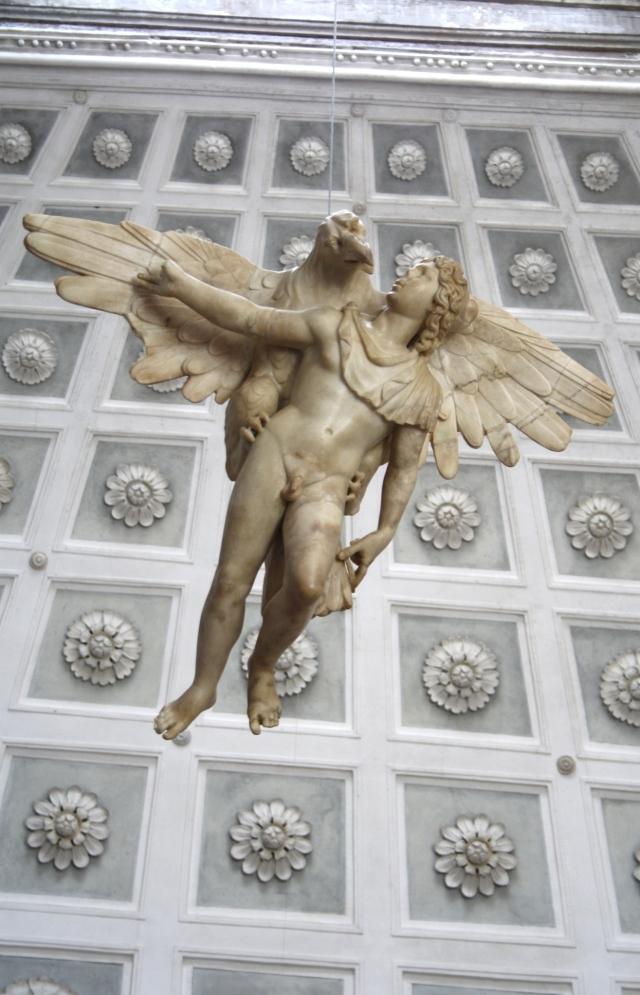 Ganymedes raptado por Zeus. Copia romana antigua de original griego, Palacio Grimani, Roma.