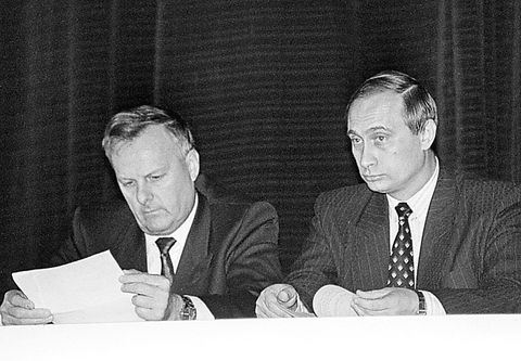 28.10.93 Sobchak as major, Putin as chev International Department at the City Administration. photo Belenky