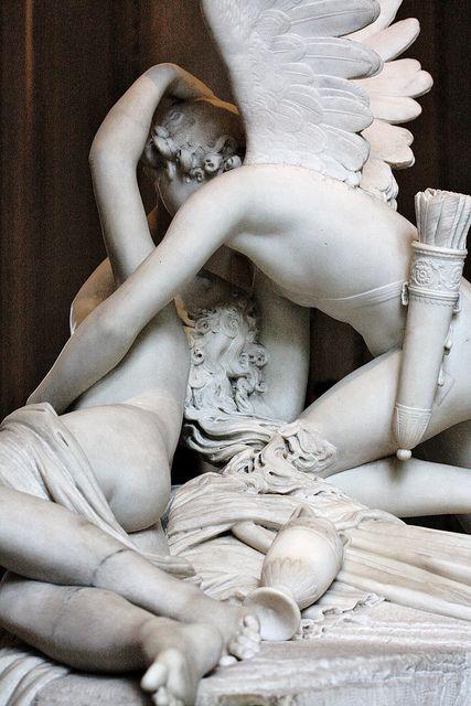 Eros ardiente besa a Psyché. Antonio Canova, Museo del Louvre.