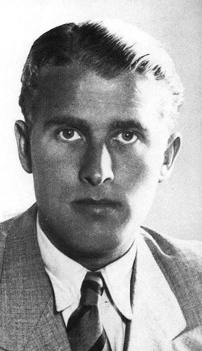 Werner Von Braun, católico practicante y fervoroso, y simultáneamente germano. Es un ejemplo de la inmensa pléyade de científicos de élite, todos de estirpes europeas, y para quienes su herencia genética ha debido ser capital para las cualidades intelectuales y morales necesarias para aportar los frutos que los demás linajes raciales no han podido dar, ni pueden hacerlo aún hoy día.